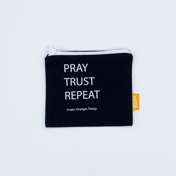 Coin pouch 11x13cm Pray Trust Repeat