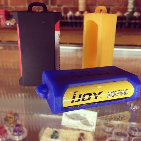 iJoy Silicone case: Dual 20700 / 21700 Battery