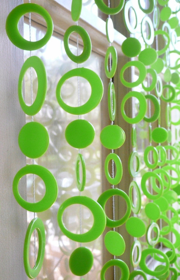 6' Beaded Curtain -- Neon Green Retro Circles