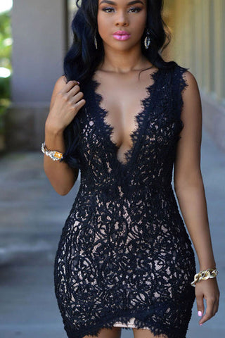 DOUBLE V-NECK LACE BODYCON DRESS