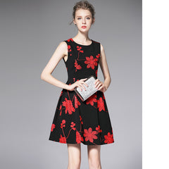 SLEEVELESS EMBROIDERY KNITTED DRESS