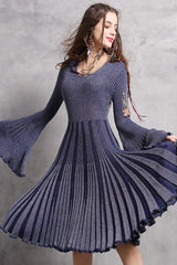 LONG FLARE SLEEVE KNIT PLEATED DRESS