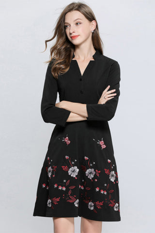 3/4 SLEEVE V-NECK EMBROIDERY A-LINE DRESS