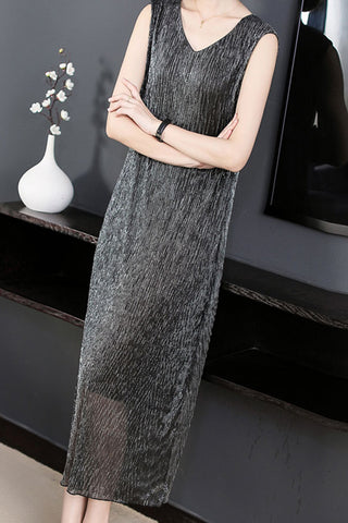 SLEEVELESS SEQUIN SHIFT DRESS