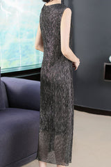 SLEEVELESS SEQUIN SHIFT DRESS - XL Clearance