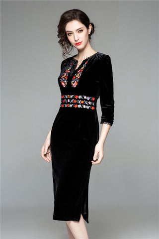 3/4 SLEEVE V-NECK EMBROIDERY VELVET SHIFT DRESS
