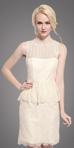Sleevelesss lace dress