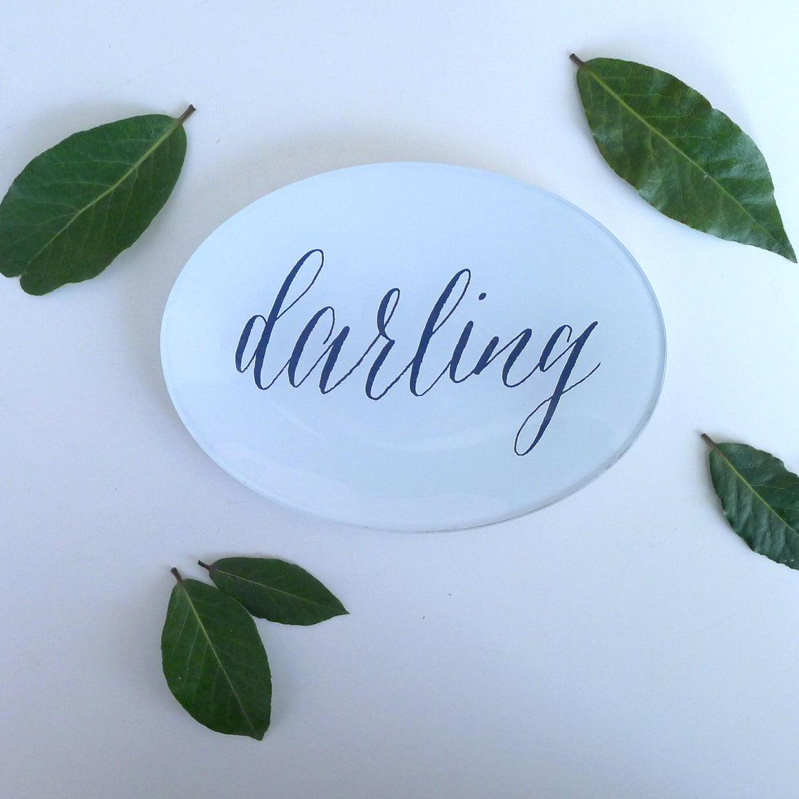 {New} Oval - Darling