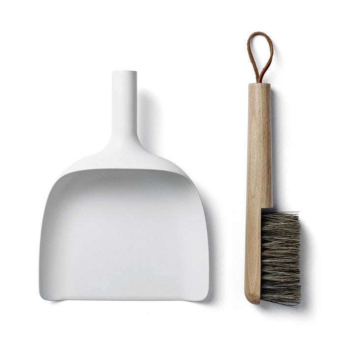 Black Sweeper & Dustpan Set