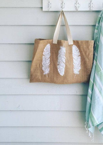 Noosa Living 'Feather' Print Jute Bag