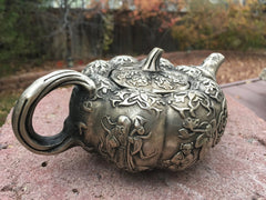 Antique Teapot with the God of Longevity Lao Shou Xing