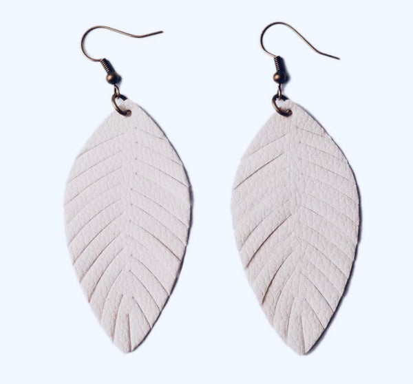 #620 Cream Feather Earrings