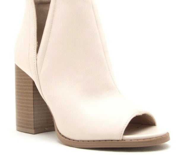 #866 Cream Peep Toe - LOCAL PICKUP ONLY