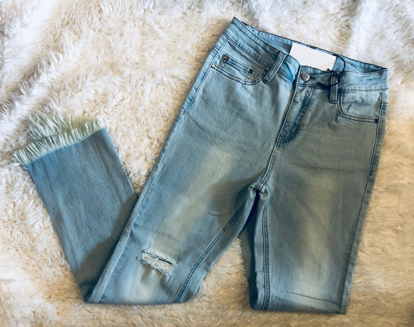 #1204 Light Wash Frayed Hemline Jeans