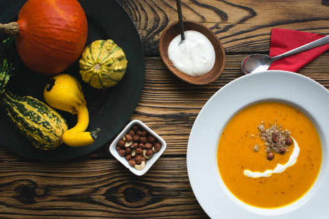 Sources of zinc: pumpkin seeds and nuts