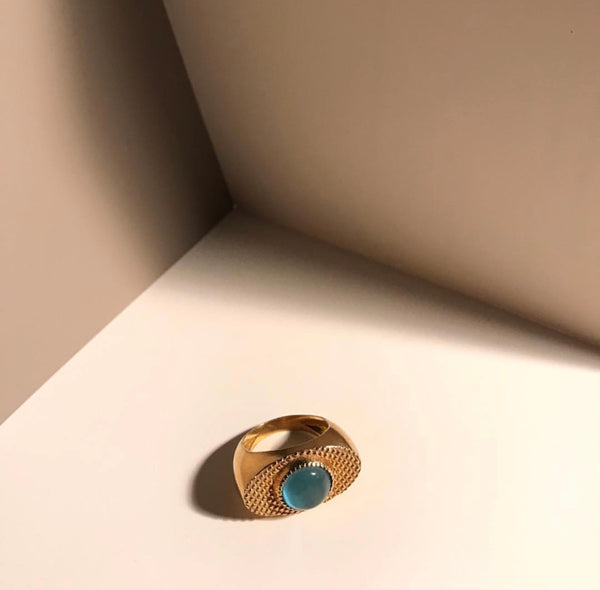 Wolf Eye Ring Blue
