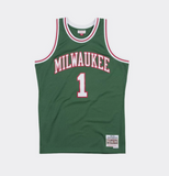 Mitchell & Ness Milwaukee BUCKS OSCAR ROBERTSON 1970-71 NBA Swingman Jersey
