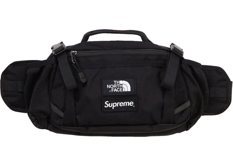 Supreme The North Face Expedition Waist Bag in Black