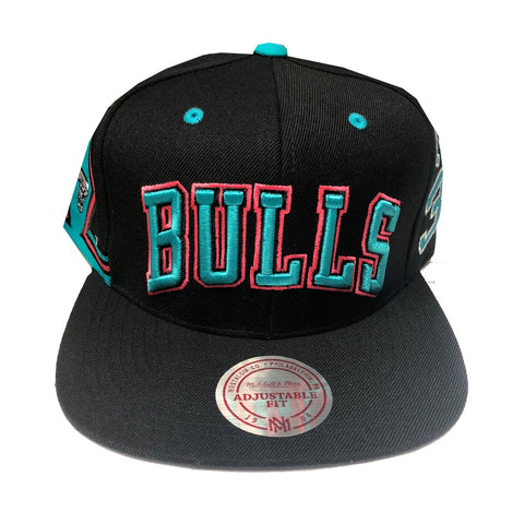 01b95446ee679 Mitchell   Ness Chicago Bulls Scottie Pippen Snapback in Black
