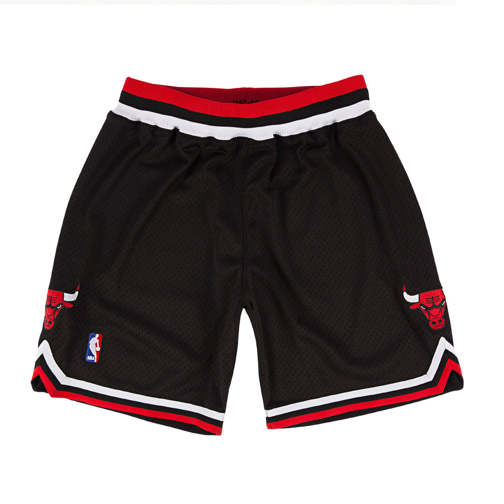 1997-98 Authentic Shorts Chicago Bulls in Black