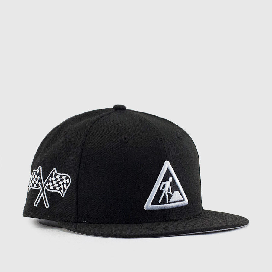 DAVE EAST x NEW ERA 5950 Fitted Cap in Black