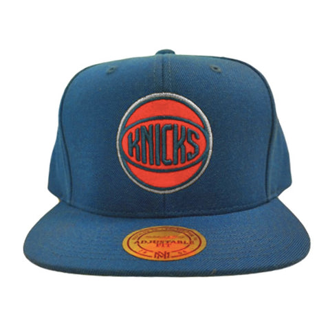 Mitchell & Ness NY Knicks Basic Circle Logo Snapback Hat in Blue