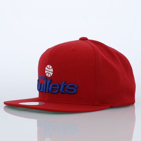 Mitchell & Ness Washington Bullets Wool Solid Snapback in Red
