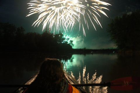 Guided Tour : Fireworks Paddle