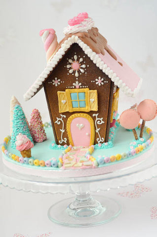 9 Amazing Gingerbread House Inspirational Ideas | Party with Pink Poppy Blog