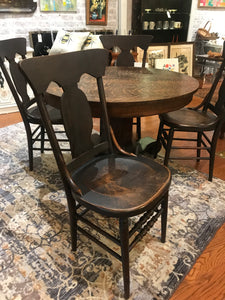 Round Tiger Oak Dining Table and Chairs