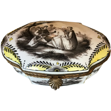 Load image into Gallery viewer, Sceaux 19th cent. Porcelain Dresser Box - Chestnut Lane Antiques & Interiors - 1