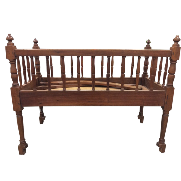 Thomas Day Crib Circa 1800-1880 - Chestnut Lane Antiques & Interiors - 1