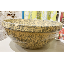 Load image into Gallery viewer, Vintage Roseville Mixing Bowl