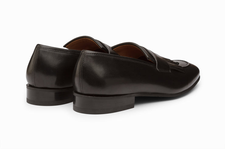 Belgian Loafers with Fringes - Black