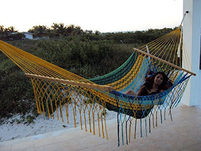 Sunnydaze Mayan Hammock Handwoven American Style with Spreader Bars, 660 Pound Capacity, Multi-Color