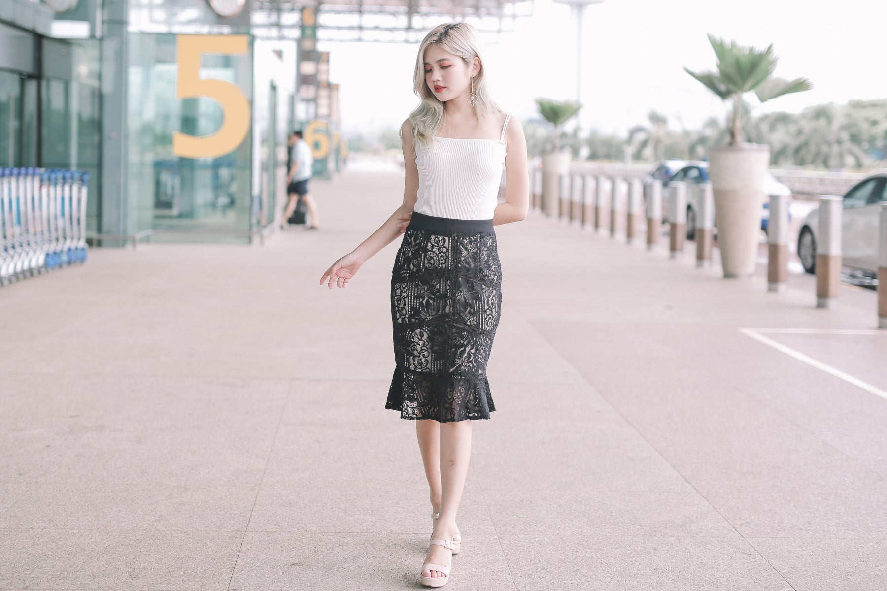 Kacy Lace Mermaid Skirt in Black