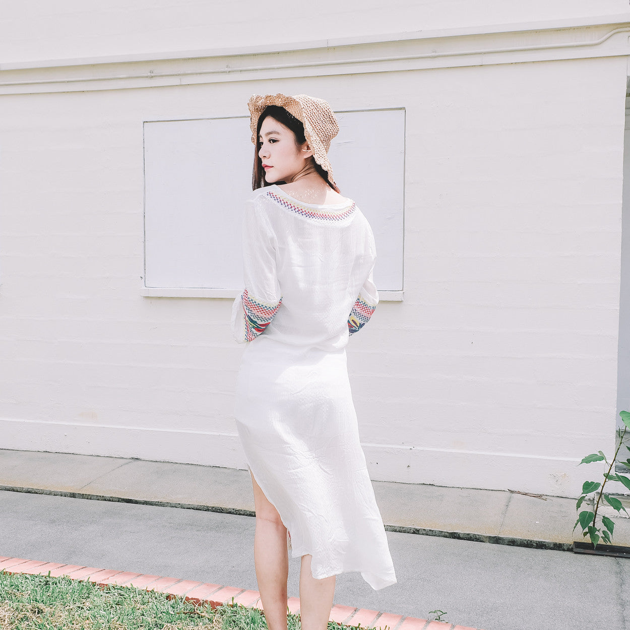 [Backorder] Embroidered Side Slit Midi Dress