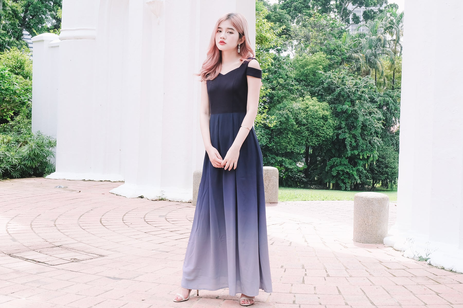 Ombre Off Shoulder Maxi Dress in 1 Tone
