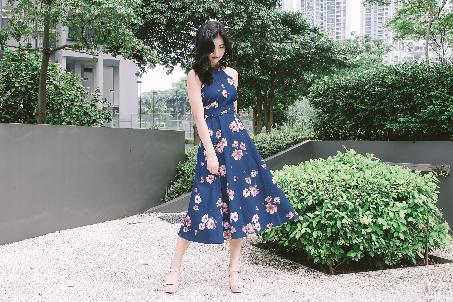 Floral Tie-Waist Keyhole Maxi Dress in Navy