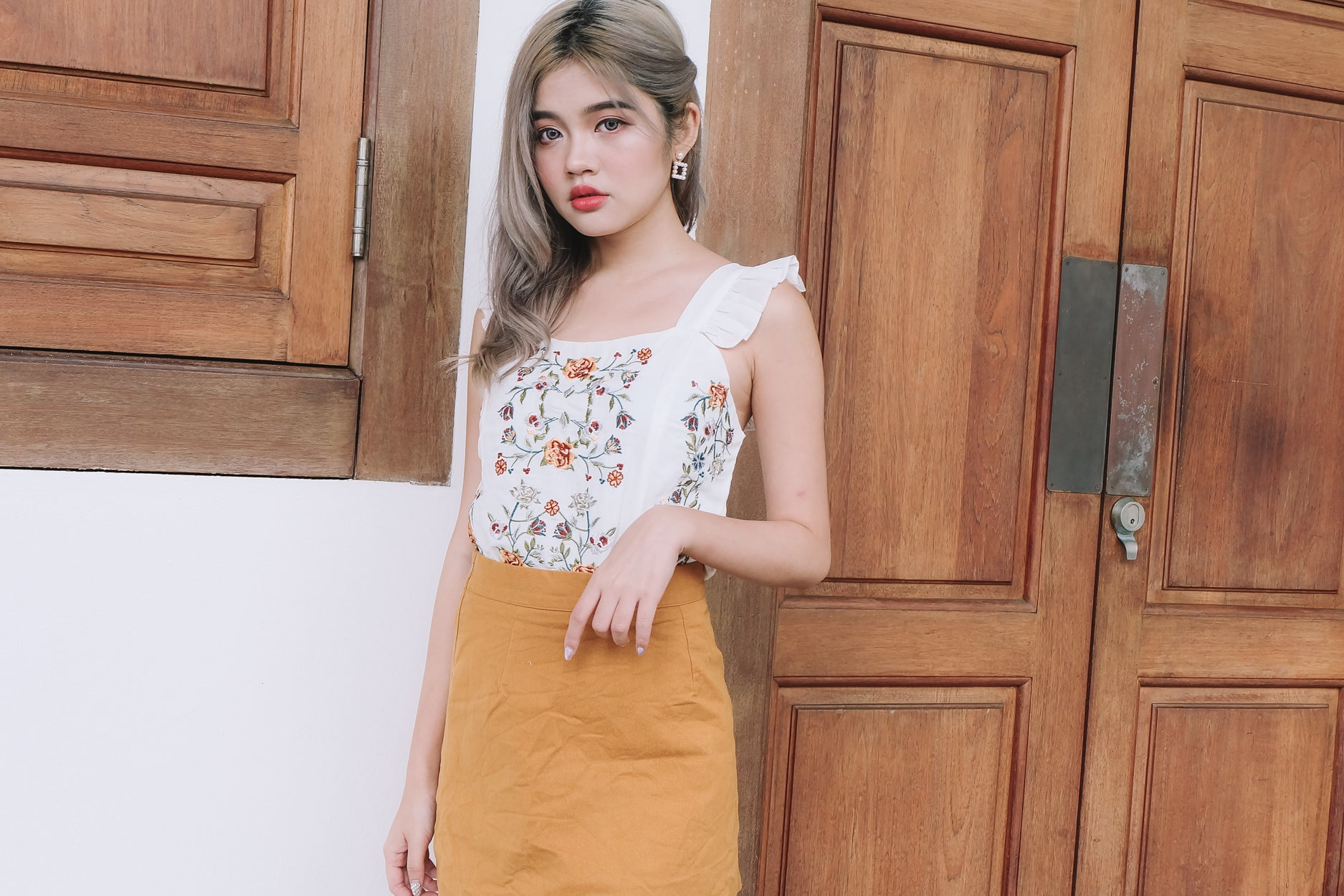 Flower Embroidery Ruffle Top in White