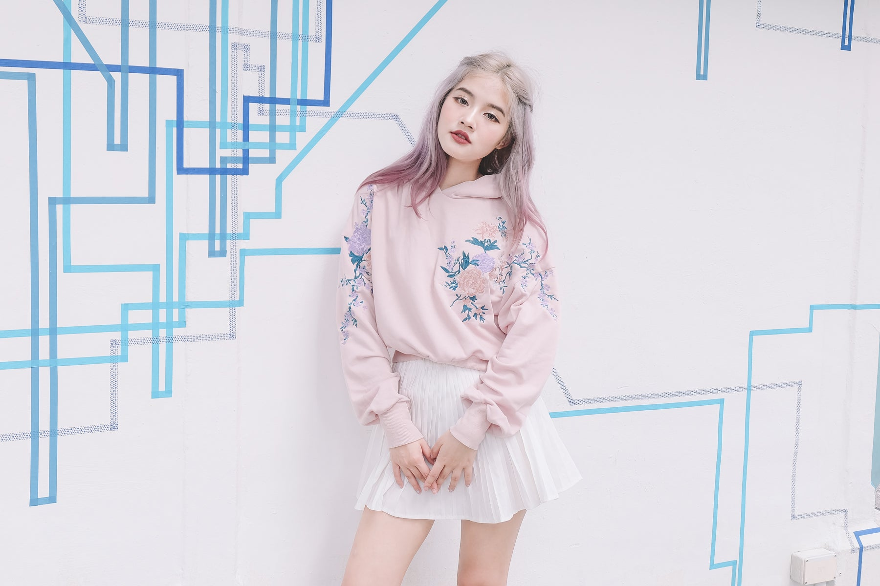 [Restocked] Embroidered Floral Pullover