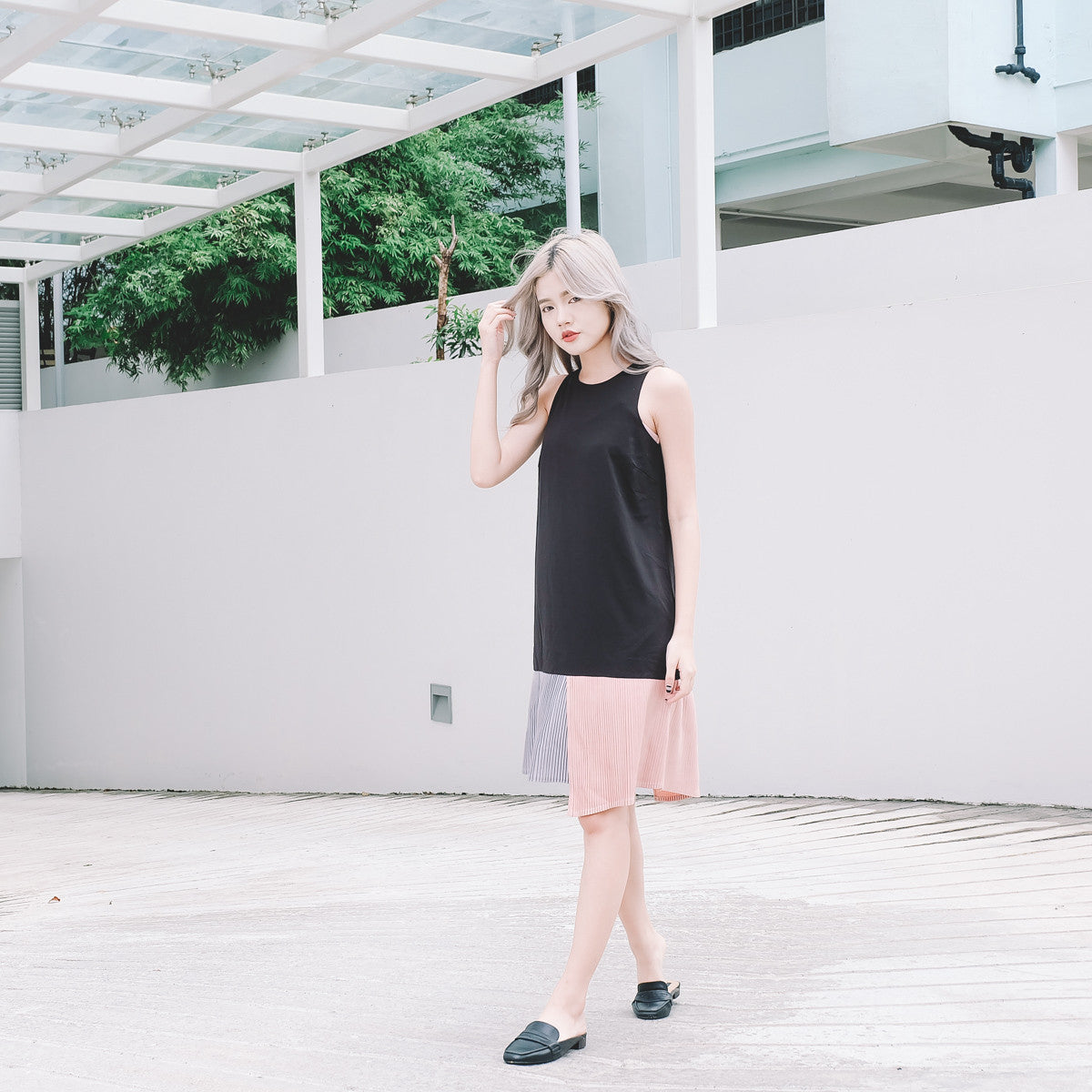 [Restocked] Colour Block Pleated Hem Dress in Black