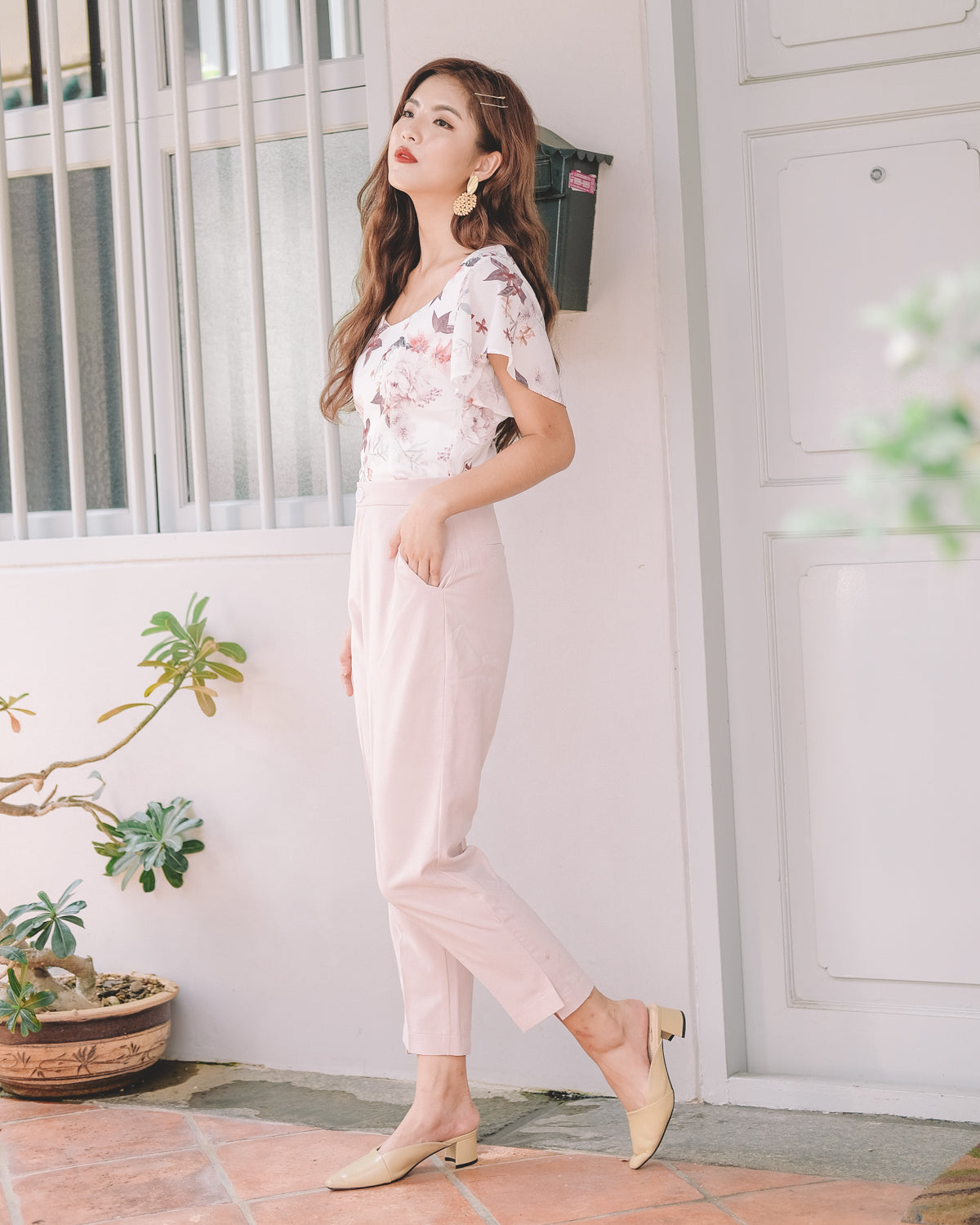 What to wear with pale pink pants
