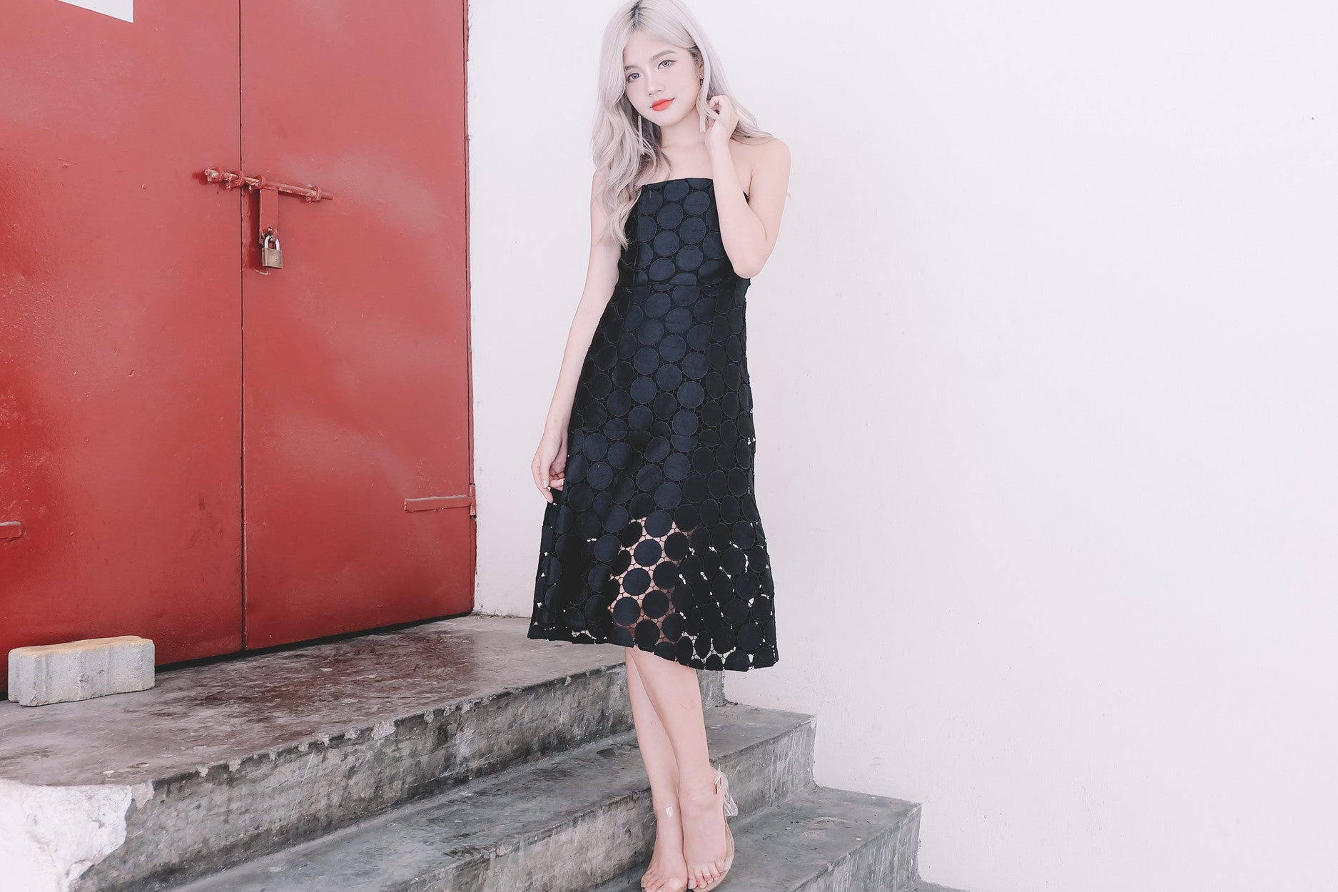 Circle Lace Cap Tube Dress in Black
