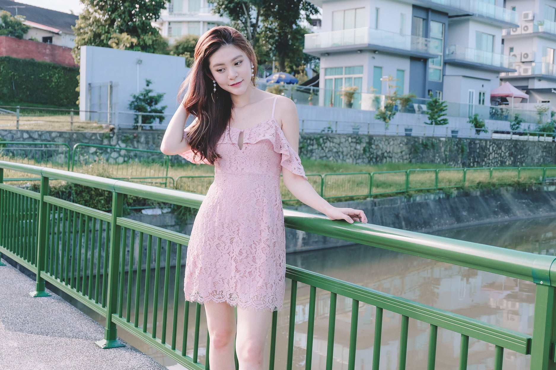 Keyhole Lace Dress in Pink