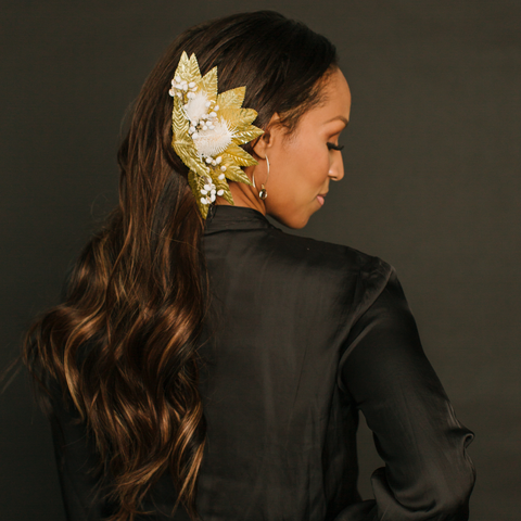 Two Minute Tuesday: Side Swept #LacedHair With Holiday Accessory