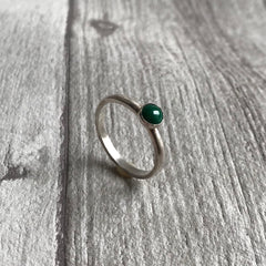Malachite single stone ring