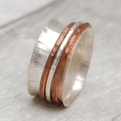 Spinner ring with skinny stackers CSC