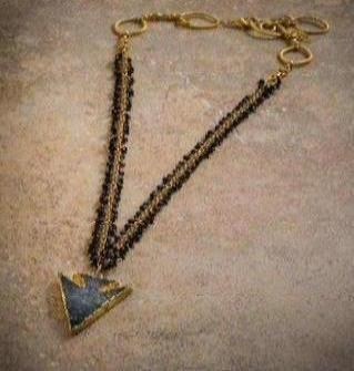 DRUZY ARROW NECKLACE