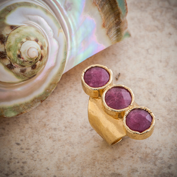 TRIPLE BERRY RUBY FULL FINGER QUARTZ RING